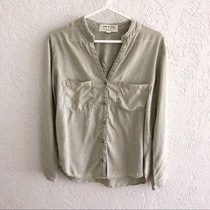 Anthro Cloth & Stone Distressed Chambray Shirt M